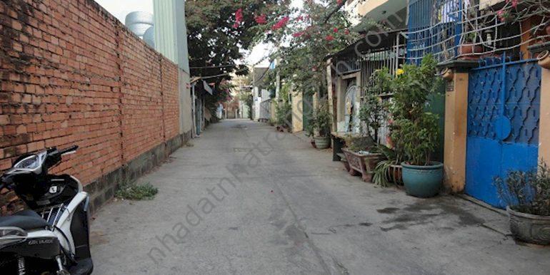 Cần bán nhà 3 mặt tiền ở đường Dã Tượng