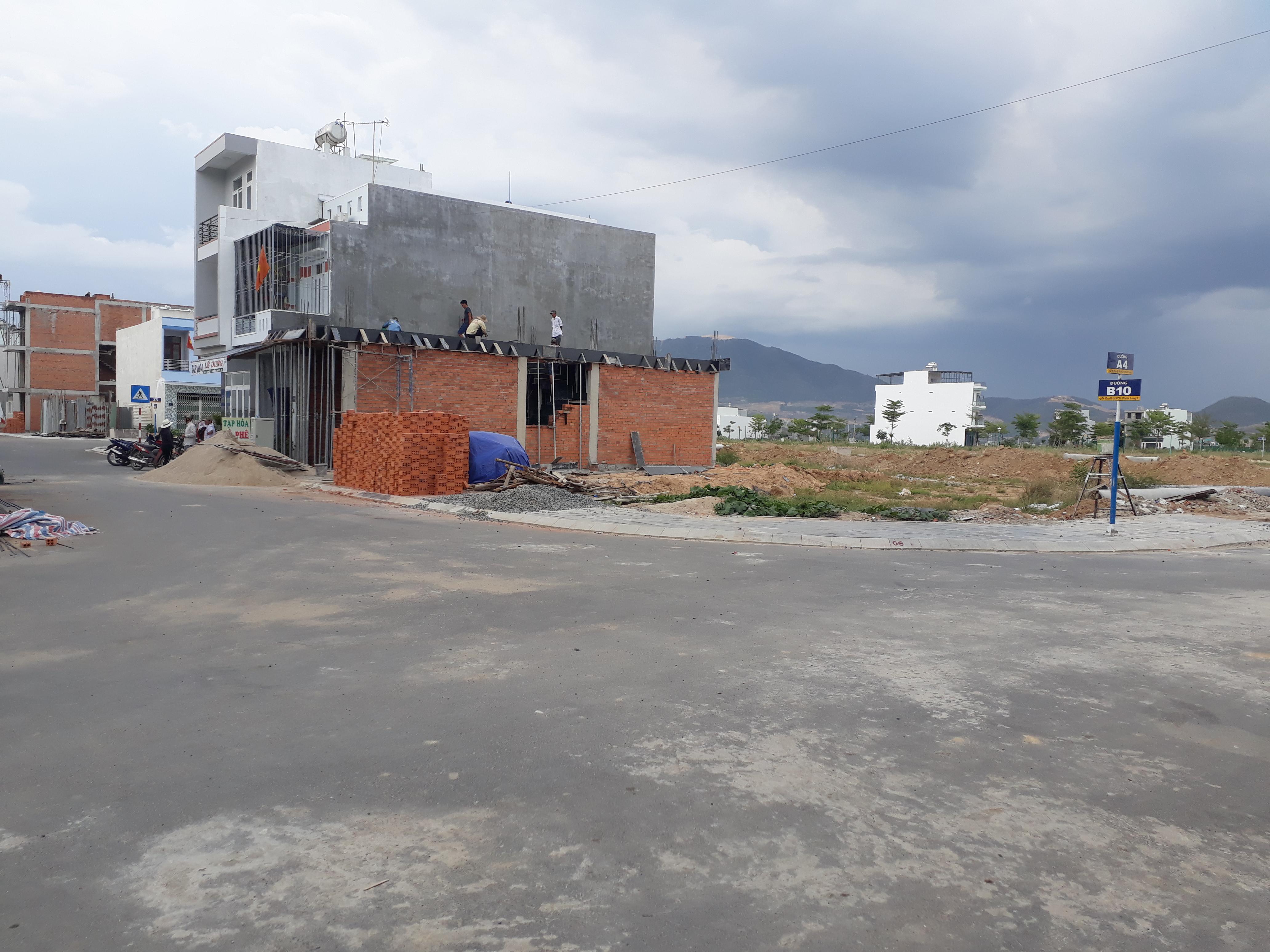 Bán đất tái định cư VCN Phước Long 2 đường B10