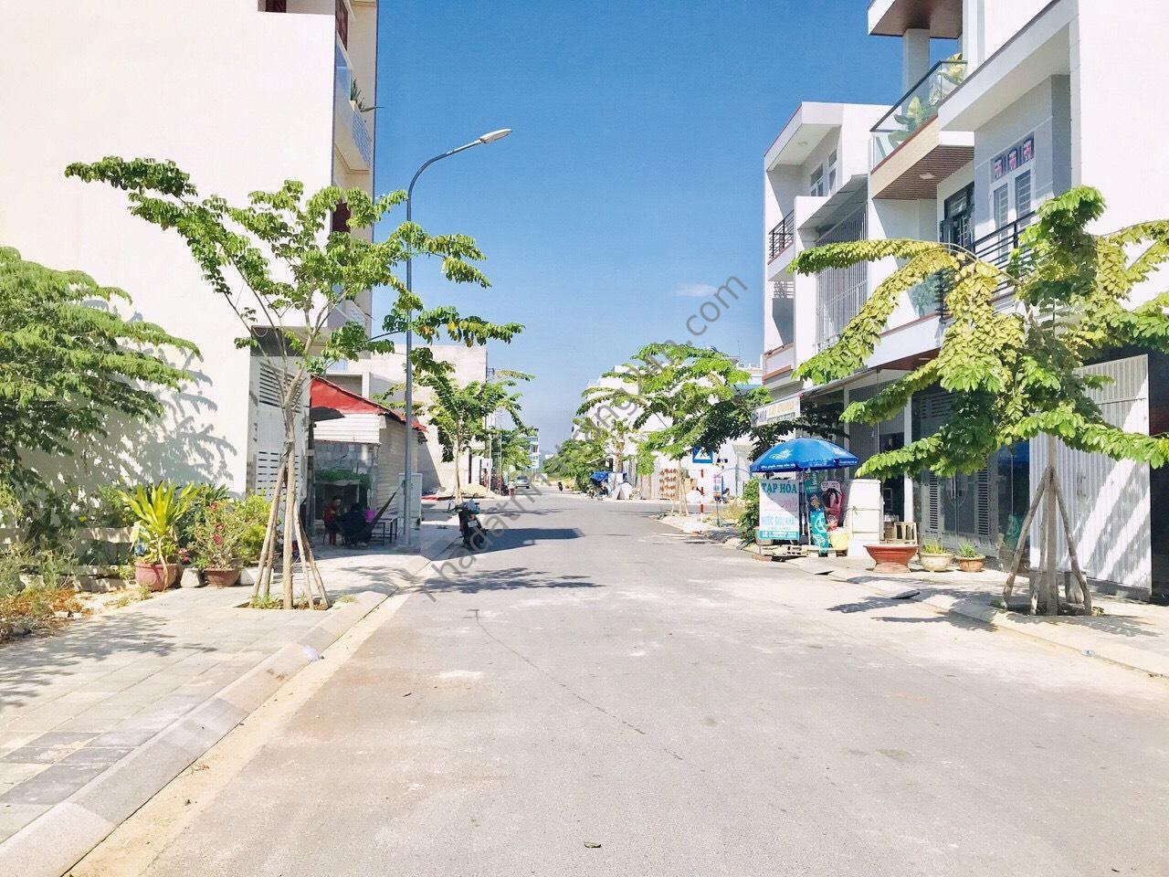 Bán đất tái định cư VCN Phước Long 2 đường A4
